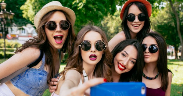 Survey Reveals: Instagram, Snapchat Worst for Young People's Mental Health